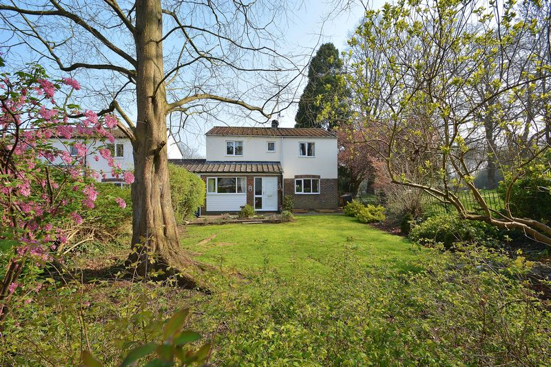 4 Bedrooms Detached House for sale in St Leonards Close, Watlington
