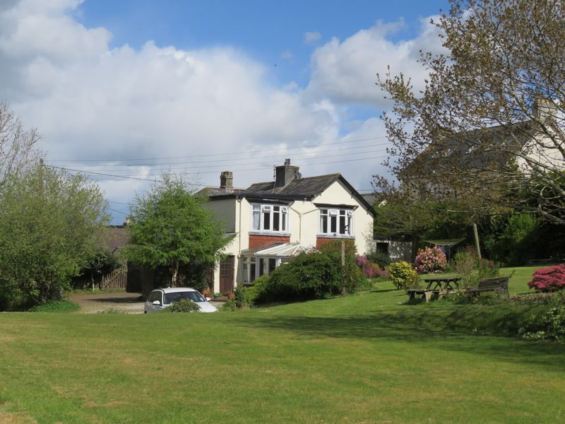 3 Bedrooms Detached House for sale in Chagford, Devon