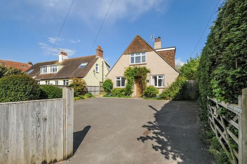 4 Bedrooms Detached House for sale in Mill Lane, Chichester