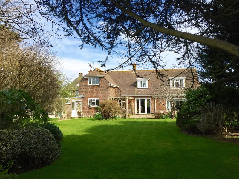 5 Bedrooms Detached House for sale in Vincent Road, Chichester