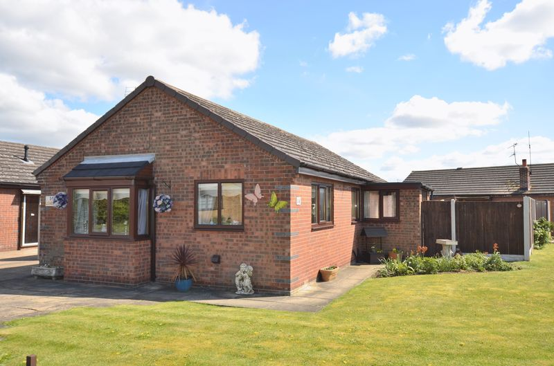 2 Bedrooms Detached Bungalow for sale in Leaburn Road, Messingham, Scunthorpe