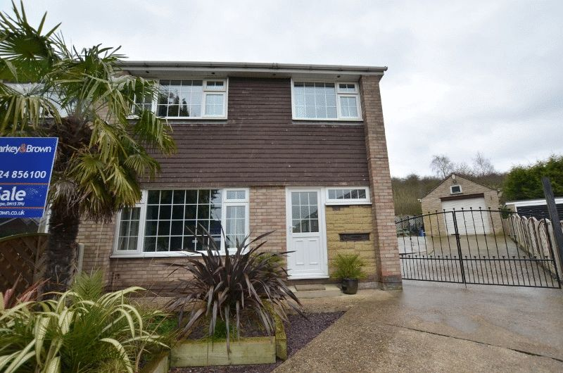 3 Bedrooms Semi Detached House for sale in Mendip Road, Scunthorpe