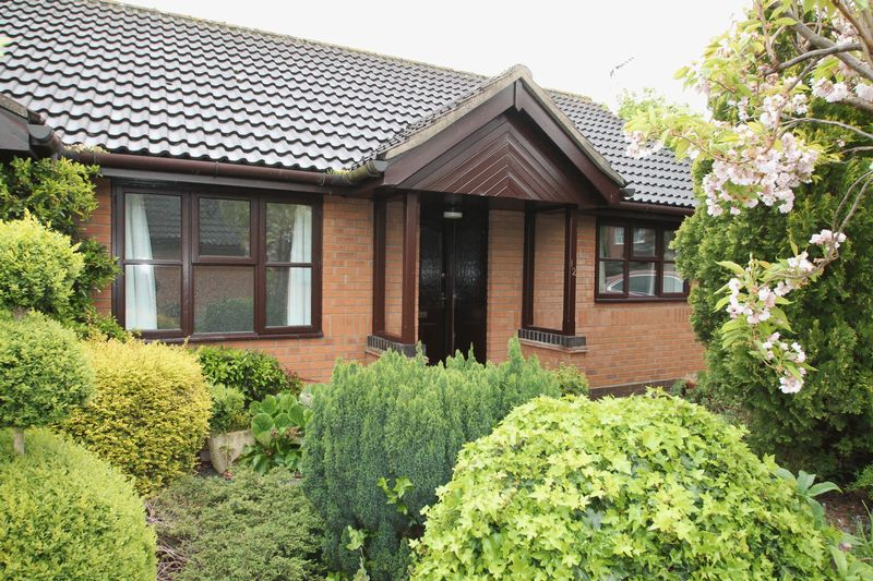 2 Bedrooms Semi Detached Bungalow for sale in Lucetta Gardens, Spalding