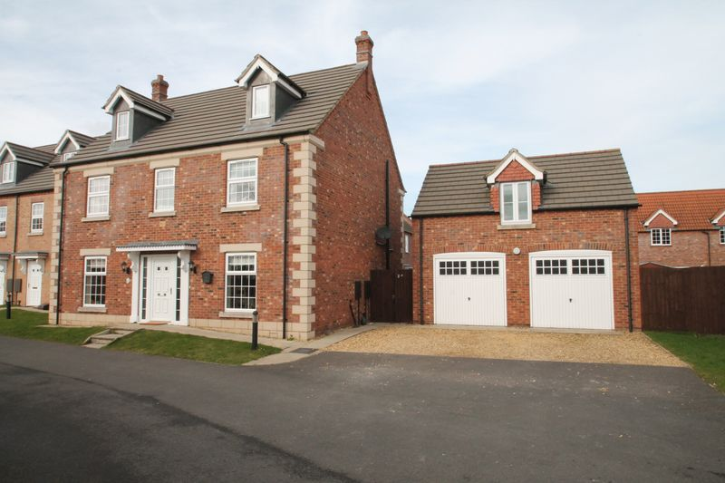 5 Bedrooms Semi Detached House for sale in Delacorte Green, Spalding
