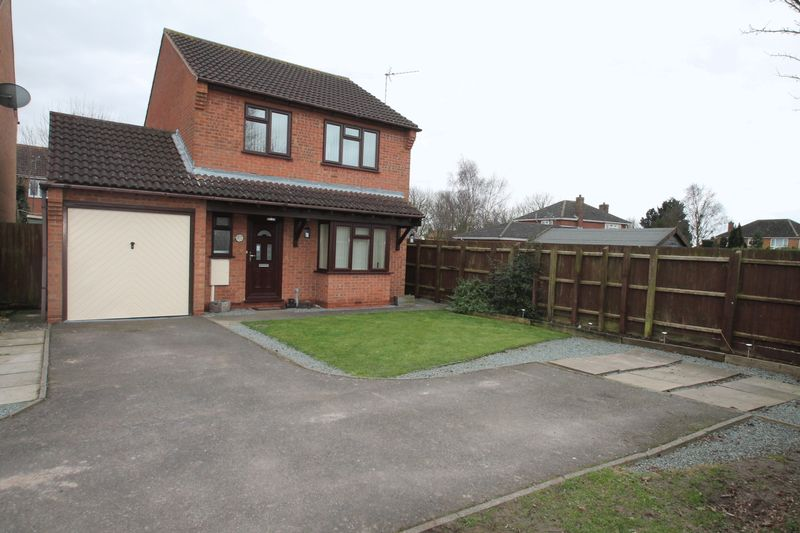 3 Bedrooms Semi Detached House for sale in Salters Way, Donington