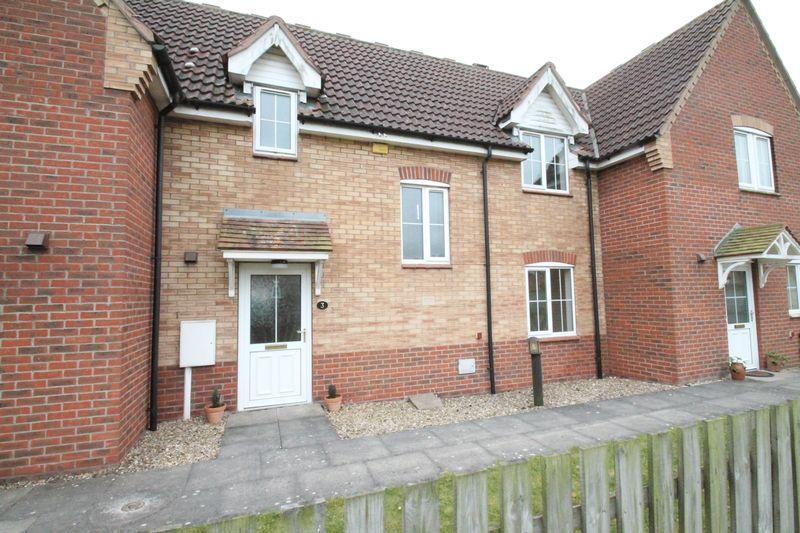 3 Bedrooms Terraced House for sale in Honeysuckle Way, Spalding