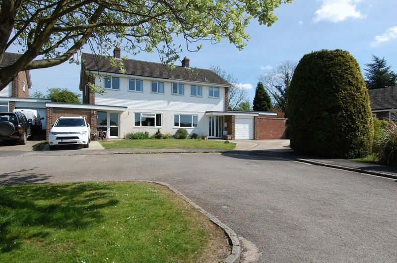 4 Bedrooms Semi Detached House for sale in TACKLEY