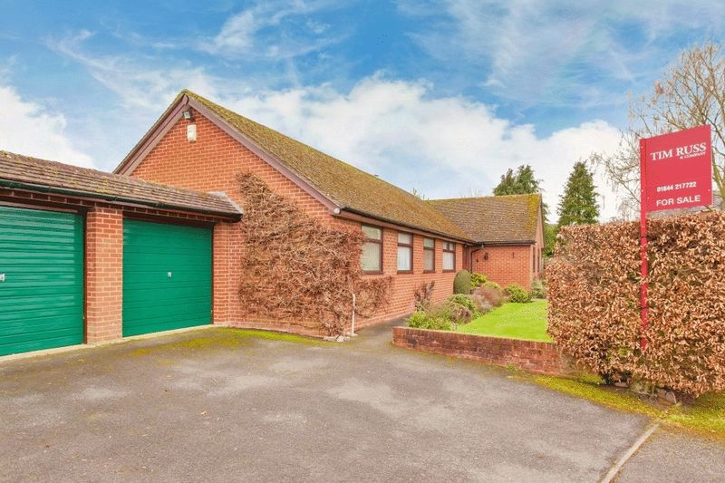 4 Bedrooms Detached Bungalow for sale in Worminghall