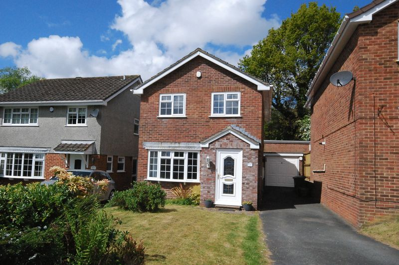 3 Bedrooms Detached House for sale in Wardlow Gardens, Crownhill, Plymouth. A 3 bedroomed detached family home with conservatory and large garden.