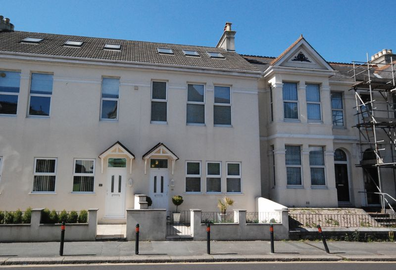 3 Bedrooms Terraced House for sale in Peverell Park Road, Plymouth. A simply gorgeous and stylish 3 DOUBLE bed home with en-suite and enclosed courtyard.