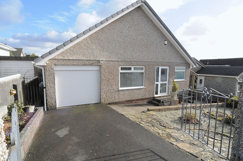 4 Bedrooms Detached Bungalow for sale in Langmead Road, Plymouth. 4 Bedroom spacious Property, ideal for families.