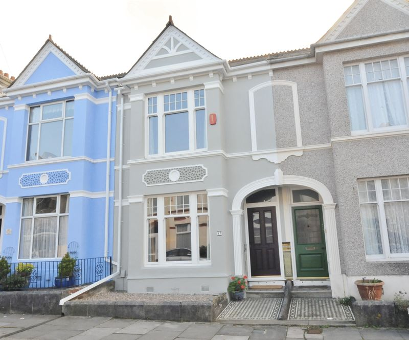 3 Bedrooms Terraced House for sale in Glendower Road, Plymouth. Well presented 3 bedroom Peverell house close to the park.