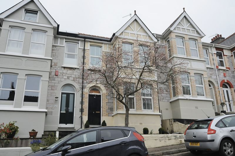 3 Bedrooms Terraced House for sale in Torr View Avenue, Plymouth. 3 Bed Family home in Peverell.
