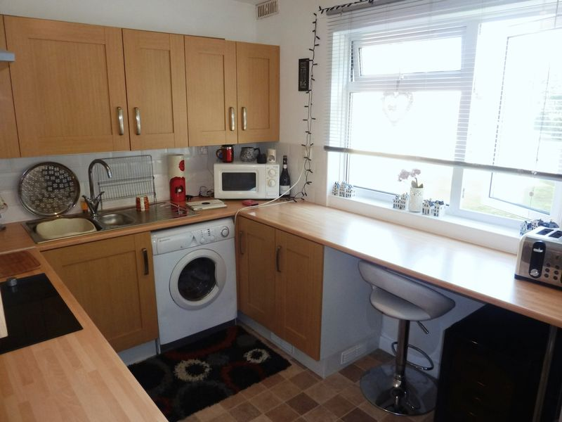 2 Bedrooms Flat for sale in Havant Close, Rhoose