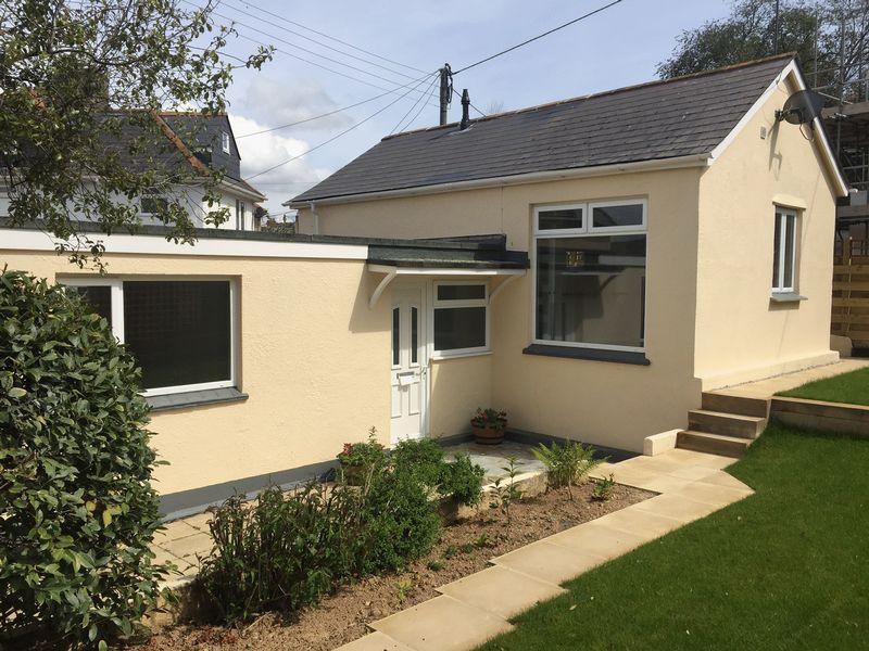 2 Bedrooms Detached Bungalow for sale in Higher Redannick, Truro