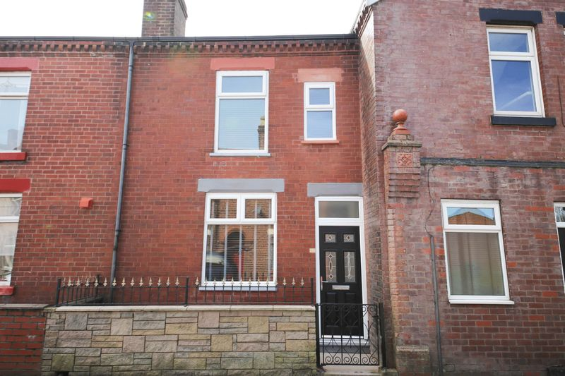 3 Bedrooms Terraced House for sale in Chapel Green Road, Hindley, Wigan