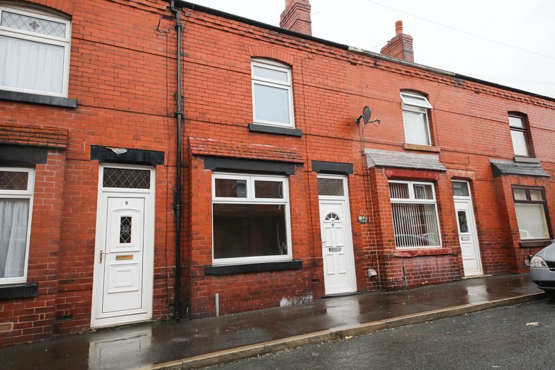 2 Bedrooms Terraced House for sale in Second Avenue, springfield, Wigan