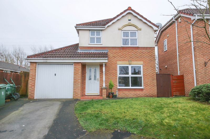 3 Bedrooms Detached House for sale in Gladden Hey Drive, Winstanley, Wigan