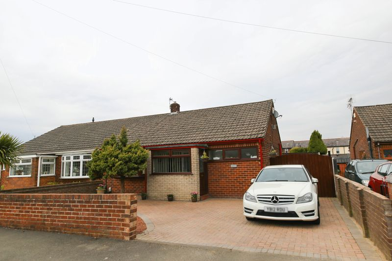 2 Bedrooms Semi Detached Bungalow for sale in Fir Tree Crescent, Ince, Wigan
