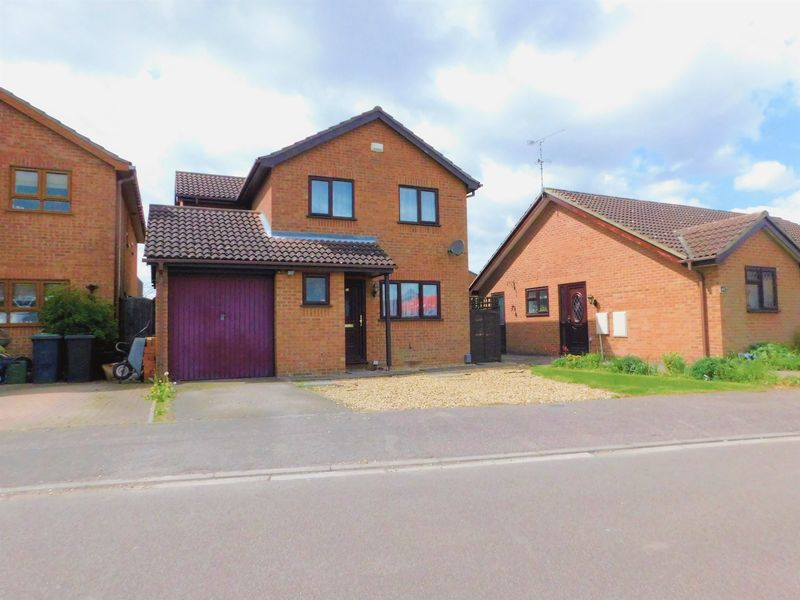 4 Bedrooms Detached House for sale in The Silver Birches, Kempston, MK42