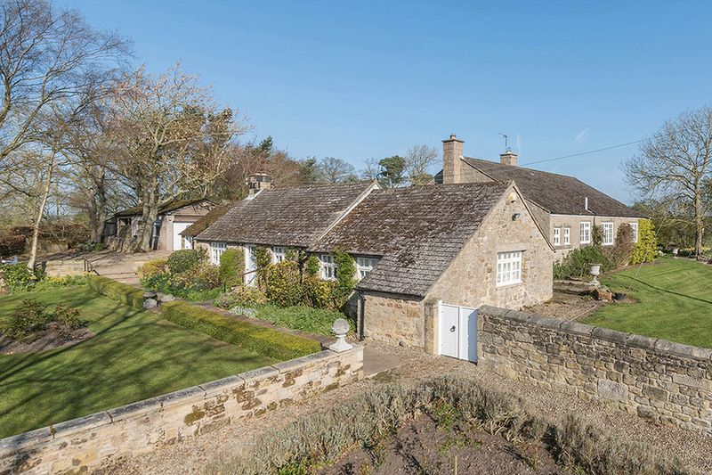 4 Bedrooms Detached House for sale in Forge Cottage, Newcastle Upon Tyne
