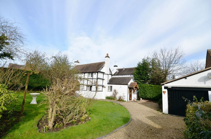 2 Bedrooms Detached House for sale in Sytchampton, Nr Ombersley