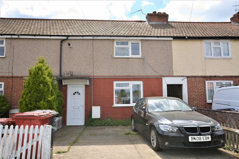 3 Bedrooms Terraced House for sale in Granville Avenue, Slough