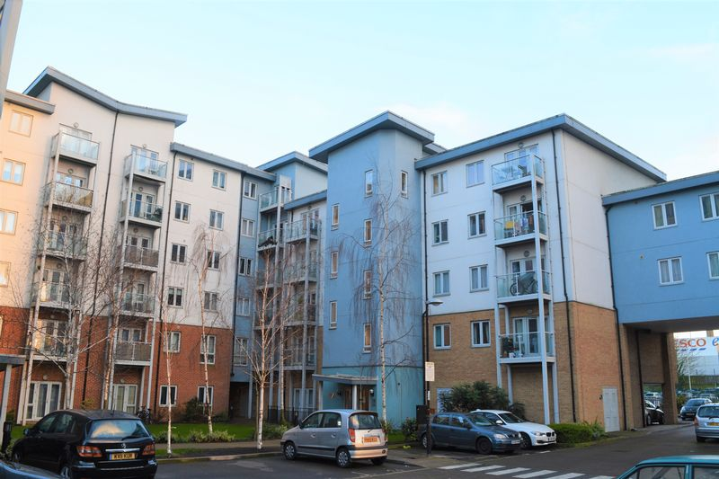 2 Bedrooms Flat for sale in Foundry Court, Mill Street