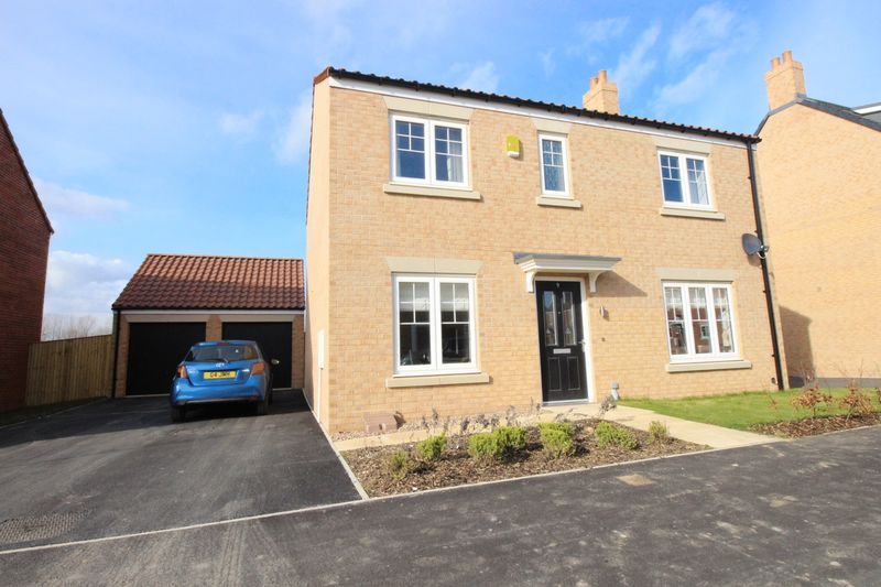 4 Bedrooms Detached House for sale in Elderflower Road, Scarborough