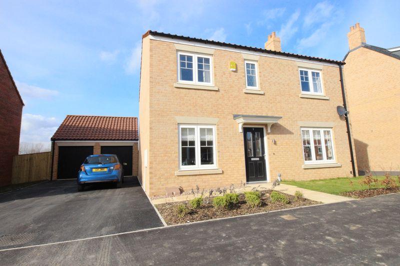 4 Bedrooms Detached House for sale in Elderflower Road, Scarborough