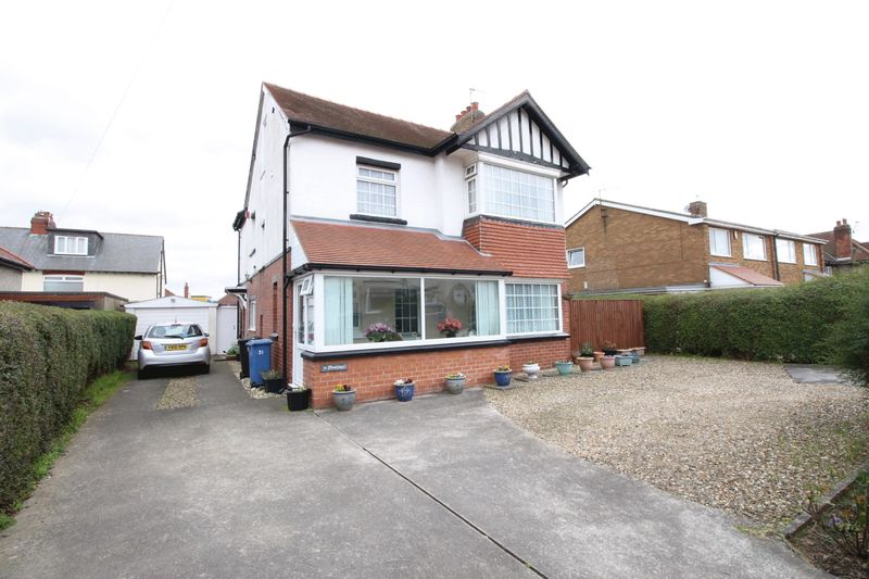 5 Bedrooms Detached House for sale in NEWLANDS AVENUE