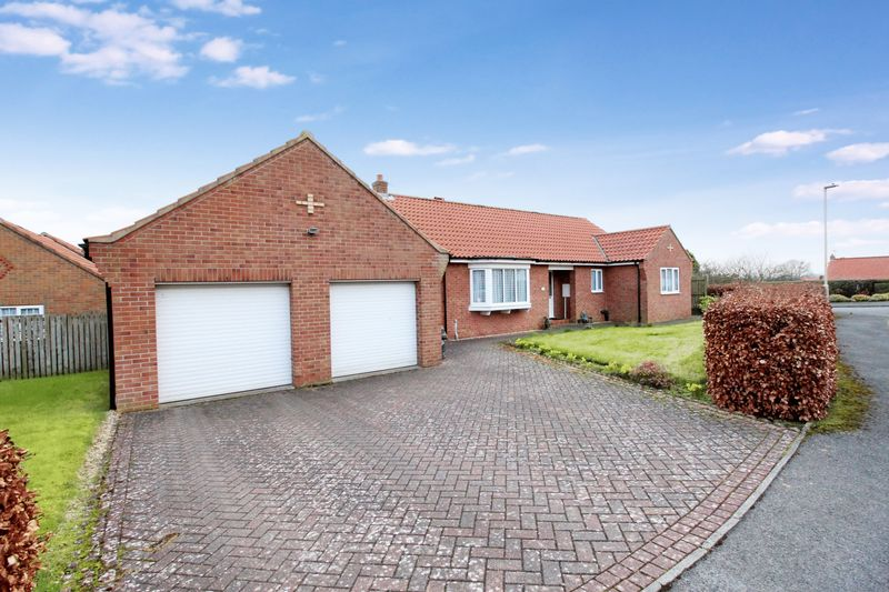 3 Bedrooms Detached Bungalow for sale in The Nurseries, Scarborough