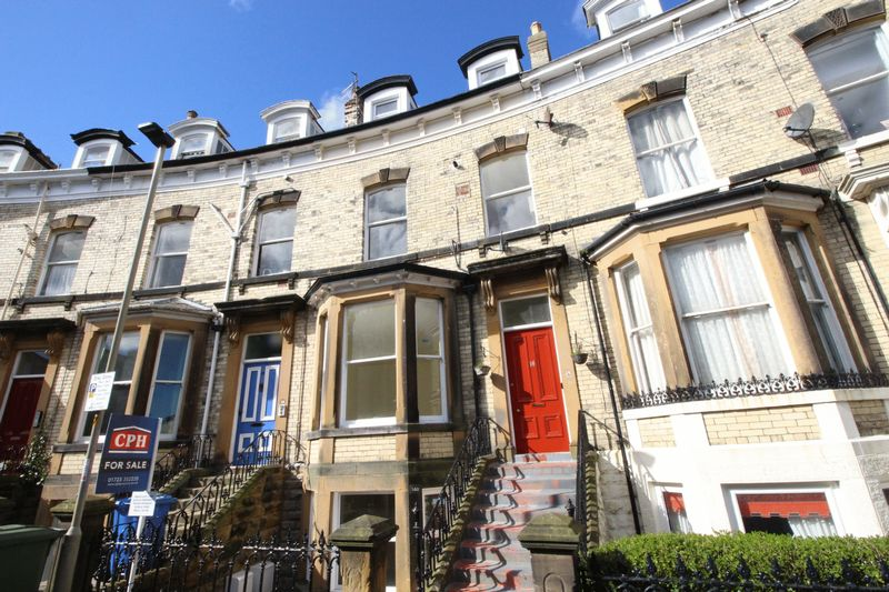 2 Bedrooms Flat for sale in Grosvenor Crescent, Scarborough, YO11 2LJ