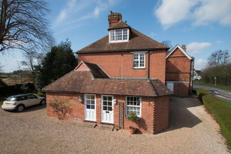 1 Bedroom Flat for sale in Walton Lane, Bosham