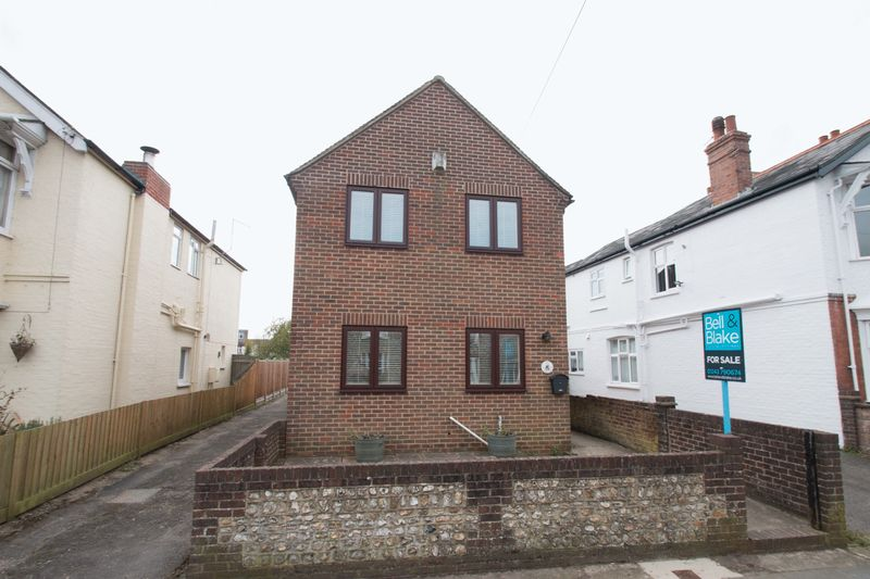 3 Bedrooms Detached House for sale in St Pauls Road, Chichester
