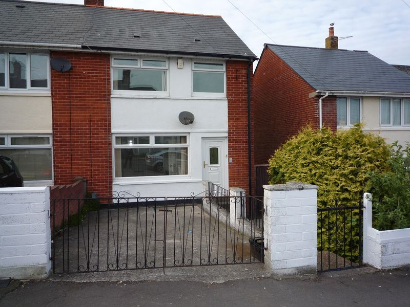 3 Bedrooms Semi Detached House for sale in The Rise (Barry Road), Barry