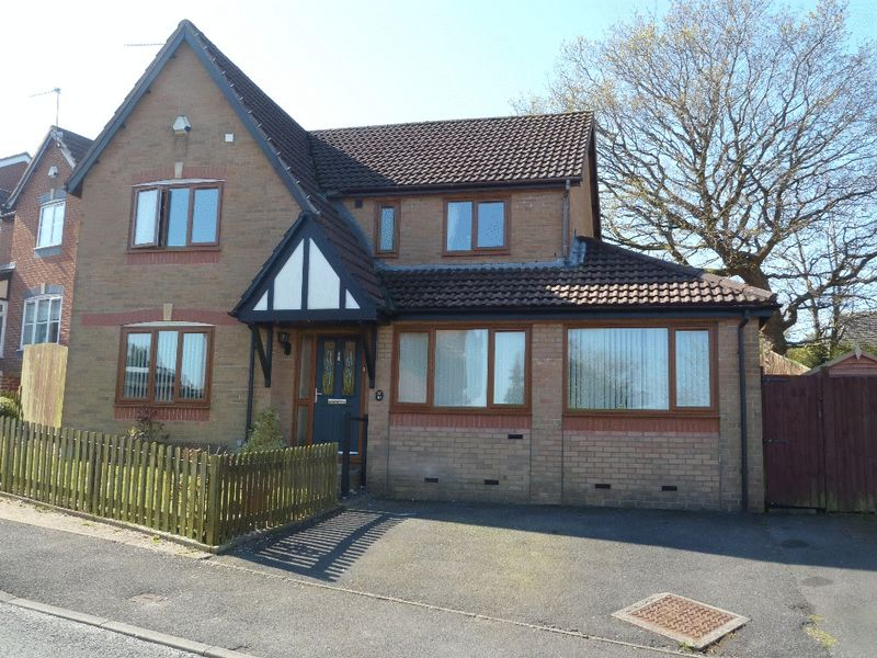 4 Bedrooms Detached House for sale in Coed Y Felin, Barry