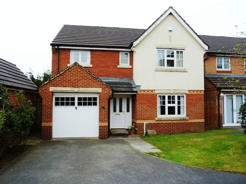 4 Bedrooms Detached House for sale in Cwlwm Cariad, Barry