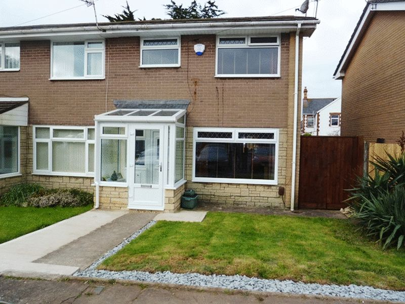 3 Bedrooms Semi Detached House for sale in Woodham Close, Barry