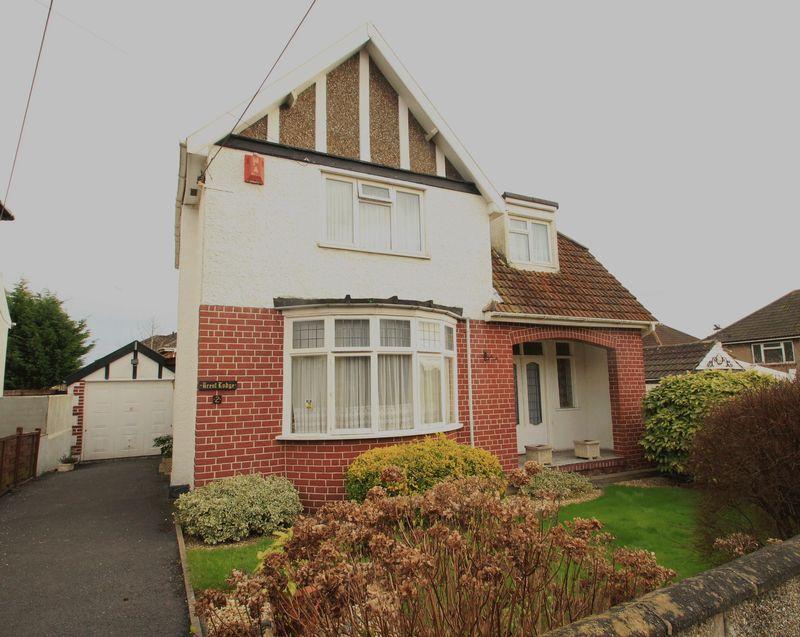 3 Bedrooms Detached House for sale in Highfield Avenue Hanham Bristol