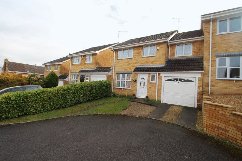 4 Bedrooms Semi Detached House for sale in Makin Close, Bristol