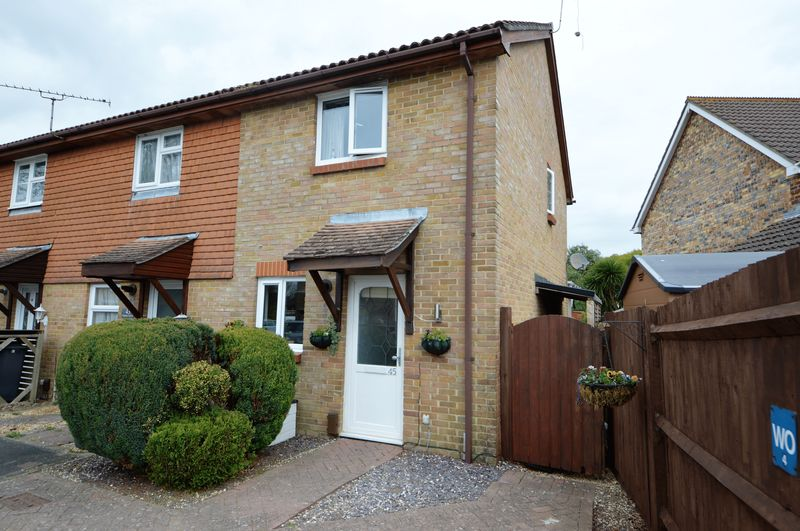 2 Bedrooms Terraced House for sale in Amethyst Grove, Waterlooville