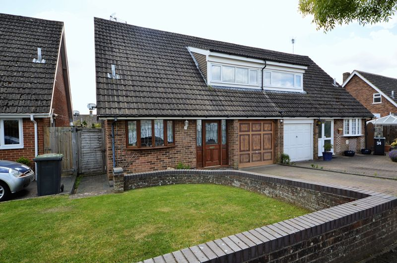 4 Bedrooms Semi Detached House for sale in Kingscote Road, Waterlooville