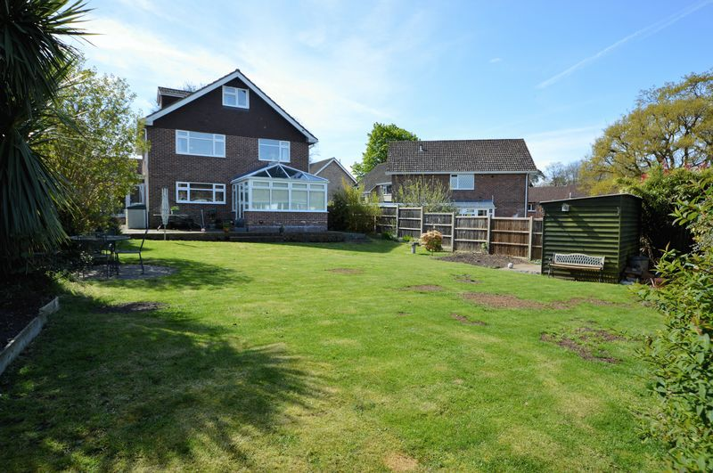 5 Bedrooms Detached House for sale in Westlands Drive, Waterlooville