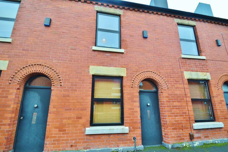 2 Bedrooms Terraced House for sale in Alder Street, Salford