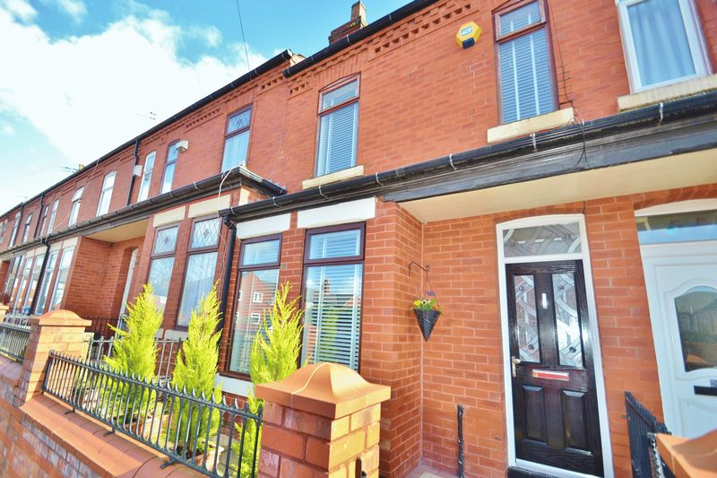 3 Bedrooms Terraced House for sale in Kennedy Road, Salford
