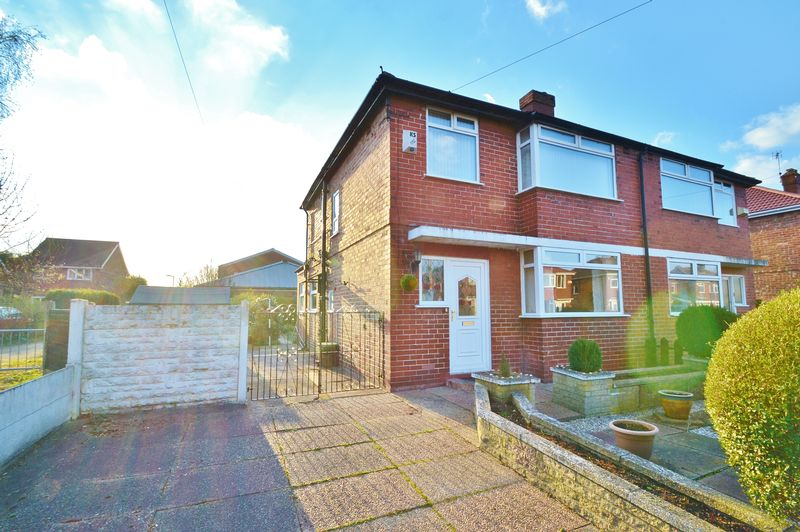 3 Bedrooms Semi Detached House for sale in Clandon Avenue, Manchester