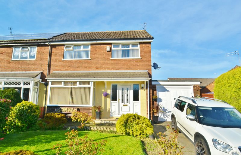 3 Bedrooms Semi Detached House for sale in Boscombe Avenue, Eccles