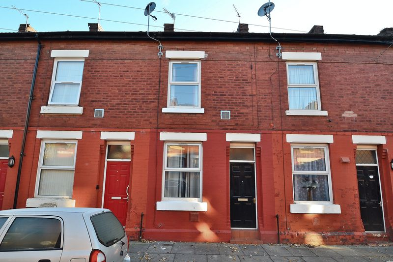 2 Bedrooms Terraced House for sale in Belmont Street, Salford