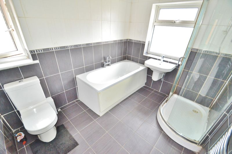 3 Bedrooms Semi Detached House for sale in Liverpool Road, Eccles
